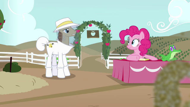 File:Beekeeper inquiring S4E3.png