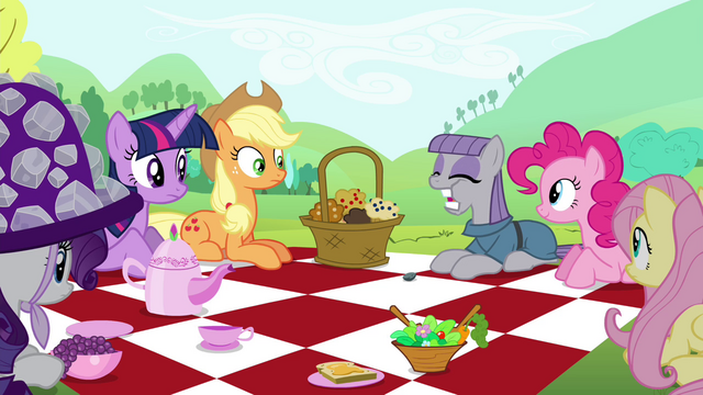 File:Main cast looking at Maud eating the gem S4E18.png