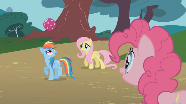 File:Pinkie Pie watching Rainbow Dash S1E07.png