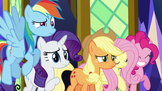 File:Pinkie squealing S5E26.png