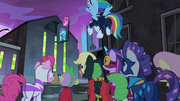 The Power Ponies looking at the shampoo factory S4E06.png