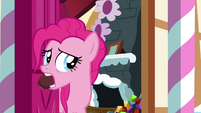 Pinkie Pie closing the door S4E18