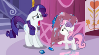 Rarity shocked because Sweetie Belle used her gems S2E05