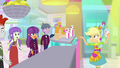Applejack pointing at Ginger Owlseye SS9.png