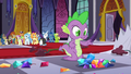 Jewels topple over in front of Spike S5E10.png