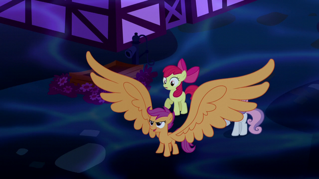 File:Scootaloo with giant wings S5E13.png
