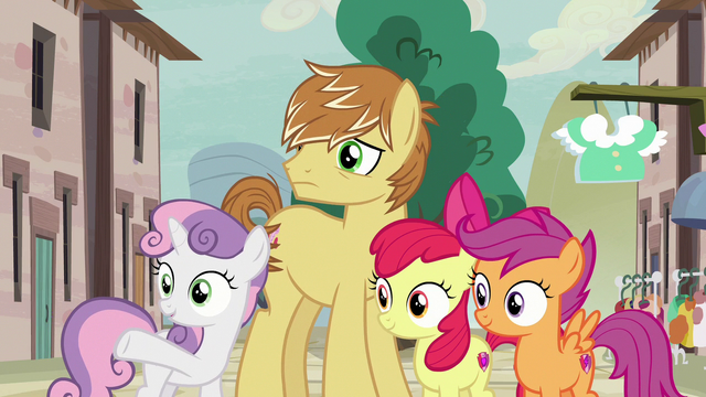 File:Sweetie Belle pointing at the Swooning Ponies S7E8.png