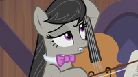 Octavia Melody biting her lower lip S5E9