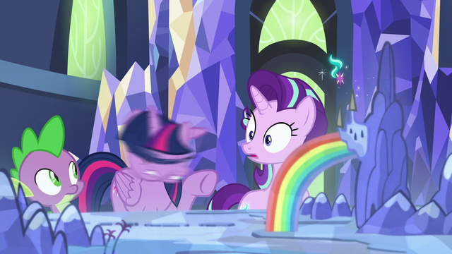File:Twilight Sparkle shaking her head S7E10.png