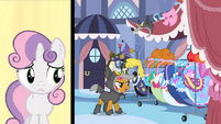 Babs Seed attacks while Sweetie Belle sings S3E4