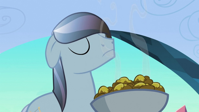 File:Crystal stallion sniffing fritters S3E2.png