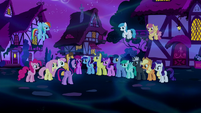 Twilight addresses the crowd of ponies S5E13