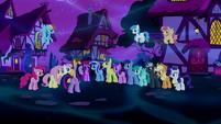 Twilight addresses the crowd of ponies S5E13