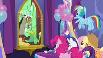 Discord speaking with the main five S7E1