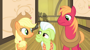 Other Apples hear CMC excited S4E17.png