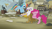 Rainbow and Pinkie encouraging Gilda S5E8