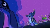 Twilight telling Luna to be quieter S2E4