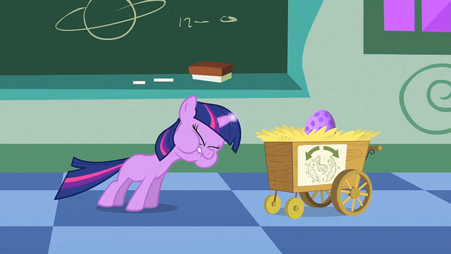 File:Filly Twilight struggling to use her magic 2 S1E23.png