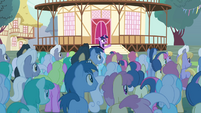 "Twilight ""please welcome... the Breezies!"" S4E16"