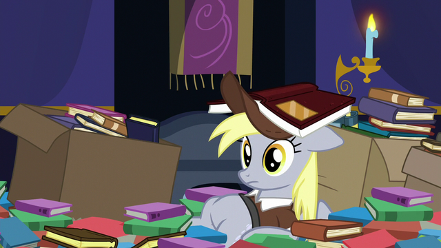 File:Derpy the mailmare with straightened eyes S6E25.png