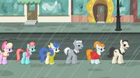 Manehattan ponies in line S4E08