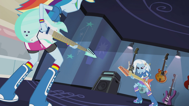 File:Rainbow Dash and Trixie face off EG2.png