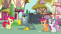 "Gabby singing ""to get my cutie mark"" S6E19"