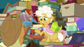 "Goldie ""does Granny Smith know you're here?"" S7E13.png"