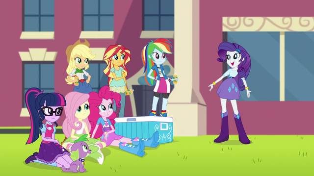 File:Rarity addressing her friends EGS1.png
