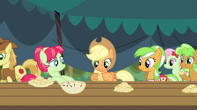 File:Applejack roll, fold, crimp S3E8.png