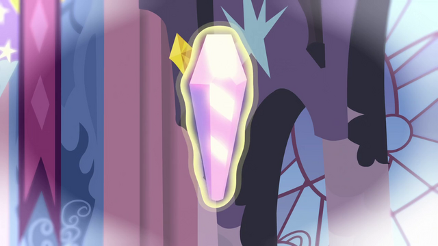 File:Aura around crystal in flashback S3E2.png