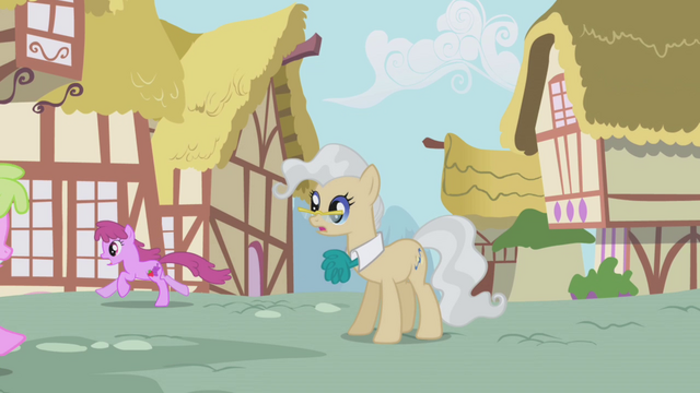 File:Berryshine running by the mayor S1E04.png