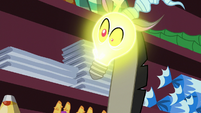 Discord's head turns into a light bulb S7E12