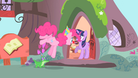 Pinkie Pie singing to Twilight S1E25