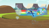 Rainbow Dash flies down the course EG3