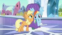 Rainbow Dash listening to Applejack S3E2