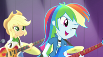 Rainbow Dash winking at Twilight EG2