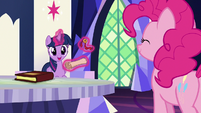 "Twilight Sparkle ""it's from the yaks!"" S7E11"