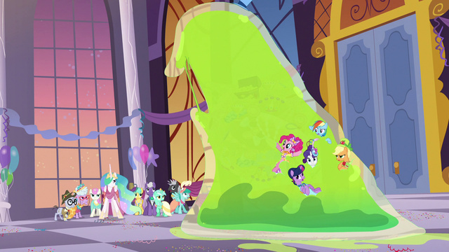 File:Giant Smooze approaches other Gala ponies S5E7.png