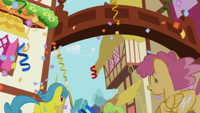 File:Orange Swirl and Lemon Hearts running to the party S1E02.png