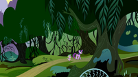 Twilight and Spike walking into the Everfree Forest S4E03