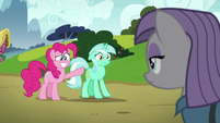 Pinkie grins nervously; Lyra stands still S7E4