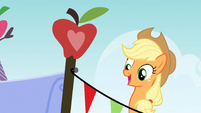 The apple on top S3E8