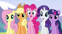 Main ponies happy for Rainbow S3E7