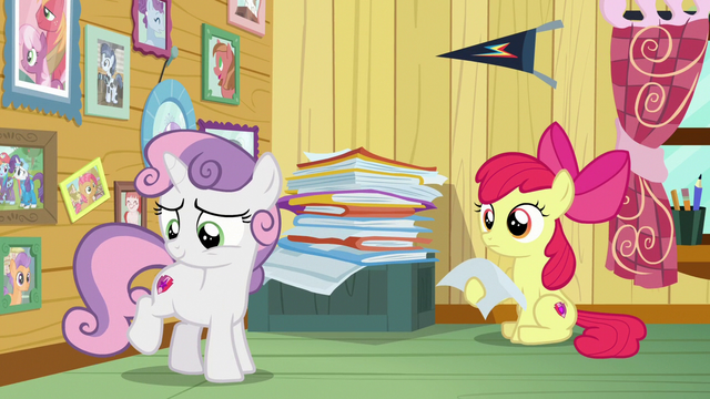 File:Sweetie Belle looking at her cutie mark S7E6.png