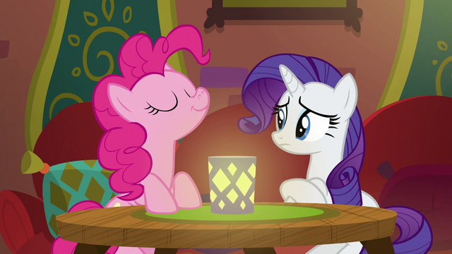 File:Pinkie sniffing the air in The Tasty Treat S6E12.png