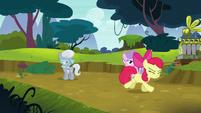 Apple Bloom running away in shame S5E4