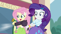 Rarity blow-drying Big Mac's truck EGS1