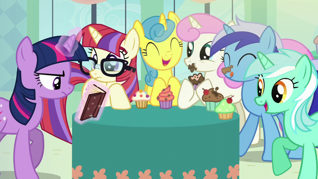 File:Photo of Twilight, Moon Dancer, and friends S5E12.png