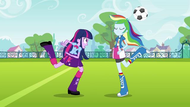 File:Rainbow Dash swipes the ball EG.png